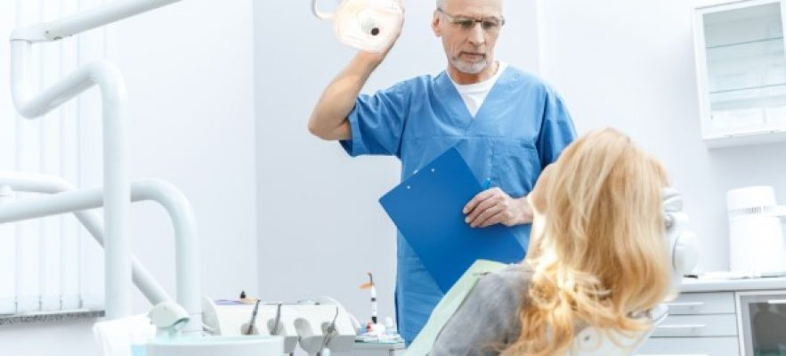 Консультация стоматолога-имплантолога